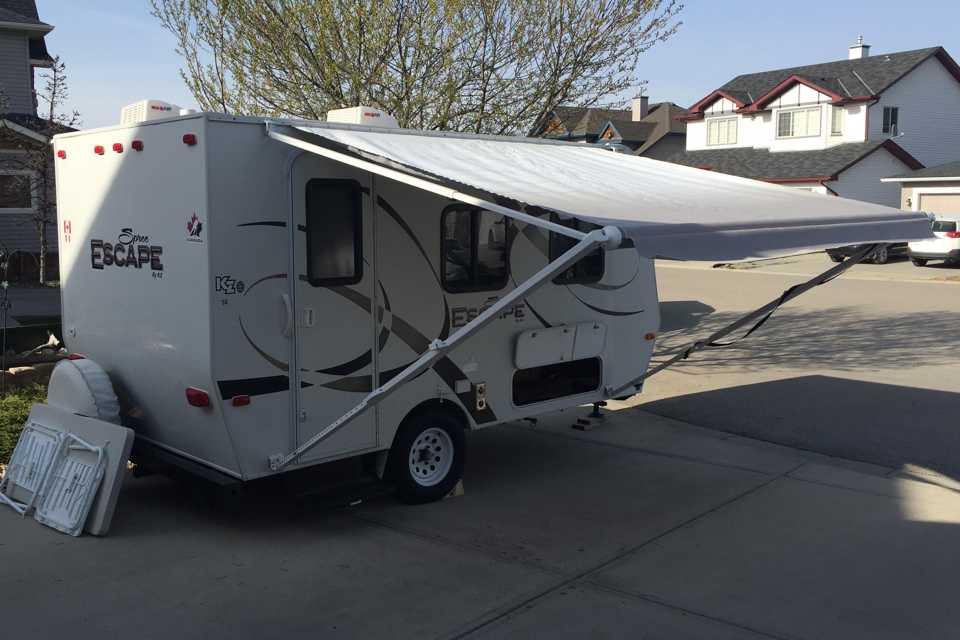 14 Foot Travel Trailer it`s Small but has it all. in Calgary, Alberta
