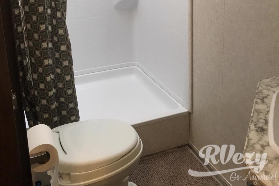 Brand New Jayco JayFlight! Double Bunk Beds and Outdoor Kitchen! in Edmonton-, Alberta