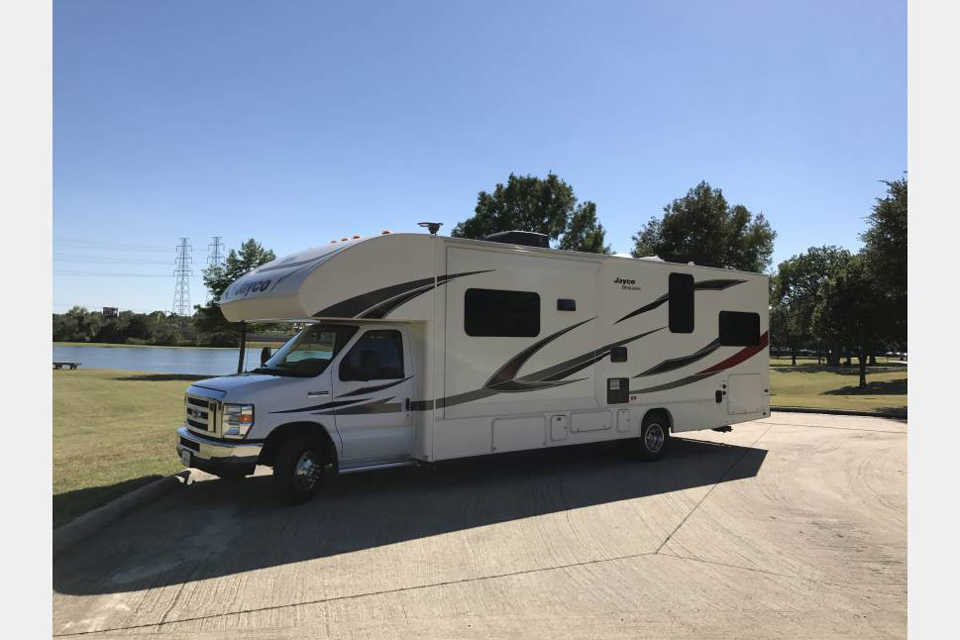 Family friendly with all the comforts of a home on wheels in Guelph, Ontario