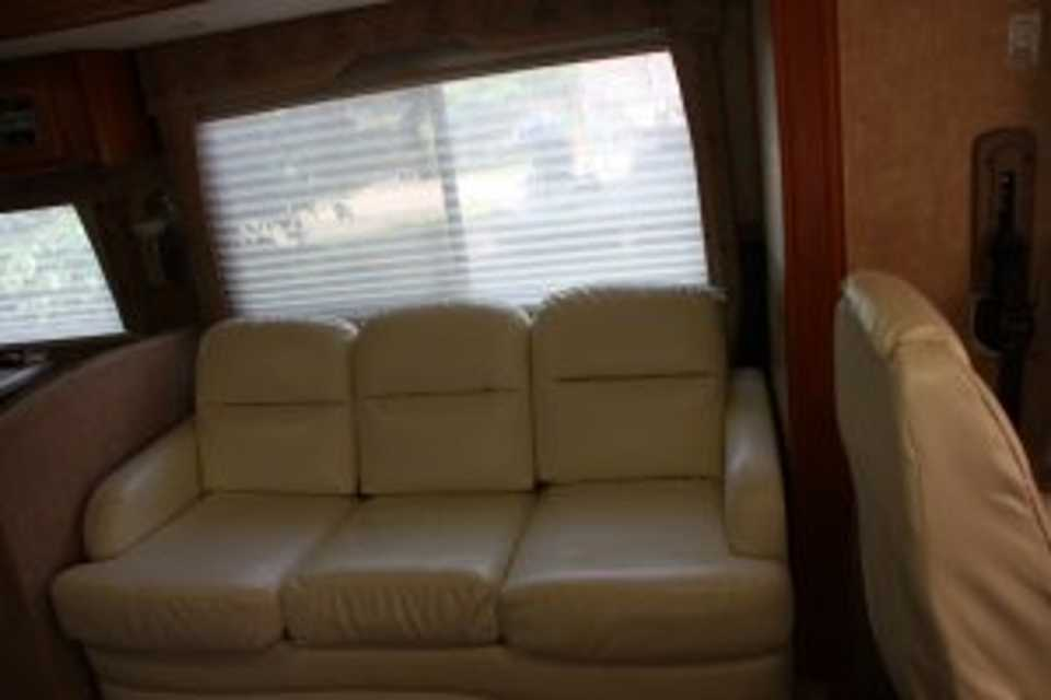 Travel in Luxury in this outfitted coach in Ottawa, Ontario