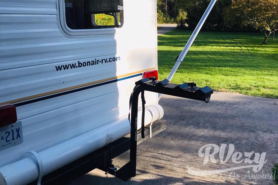 Easy park and tow equipped travel trailer in Ramara, Ontario